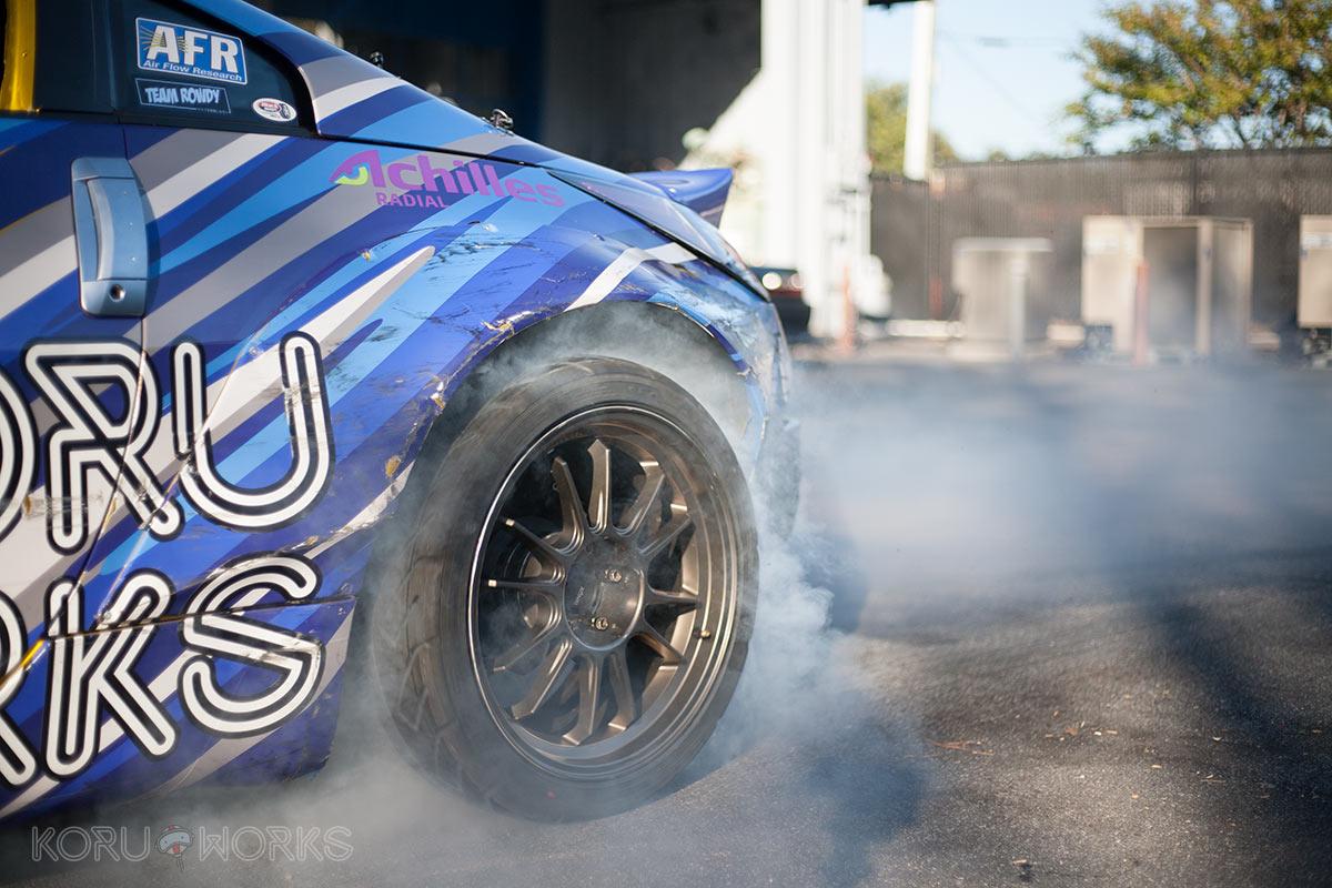 koruworks-350z-z33-wheel-tire-specs-burnout.jpg